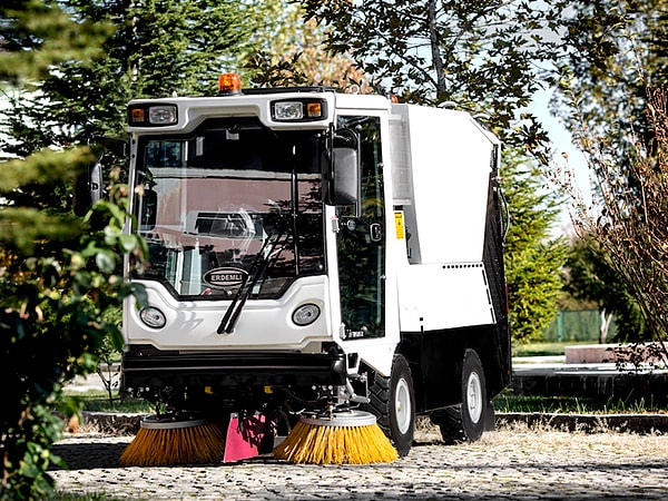 Erdemli Hydraulic HI-VAC Street Sweeping Machine 2 Brush Option