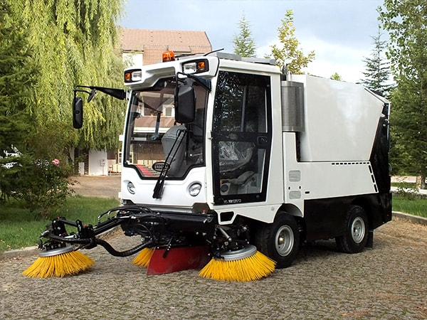 Erdemli Hydraulic HI-VAC Street Sweeping Machine 3 Brush Option