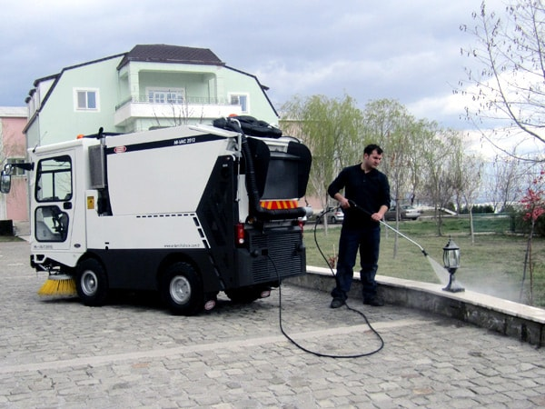 Erdemli Hydraulic HI-VAC Street Sweeping Machine High Pressure Washing System
