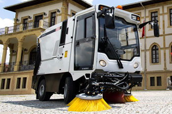 Erdemli Hydraulic HI-VAC 2512 Street Sweeping Machine