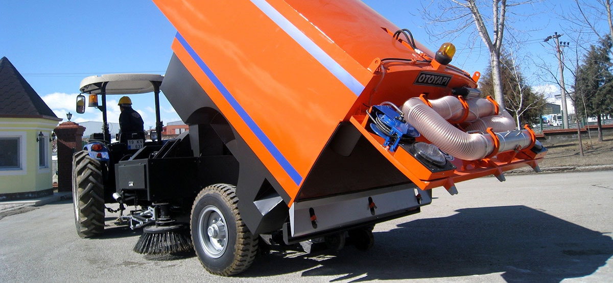 TRA-VAC-500 Tractor Towed Vacuum Road Sweeper